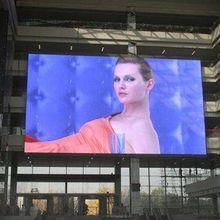 China Hot Sell P8 Outdoor LED Board Display with Waterproof Cabinet