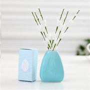 China Own logo reed diffuser, hand white aroma dry flower