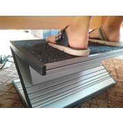 China Adjustable Ergonomic Foot Rest for Children Studying