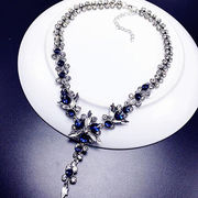 Vogue Crystal Flower Necklace from  Ebolle Fashion Accessories Co. Ltd