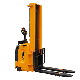 1500kg Capacity Electric Stacker from  Wuxi Dalong Electric Machinery Co. Ltd